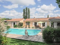 French property for sale in ST PALAIS DE NEGRIGNAC, Charente Maritime - €293,000 - photo 1