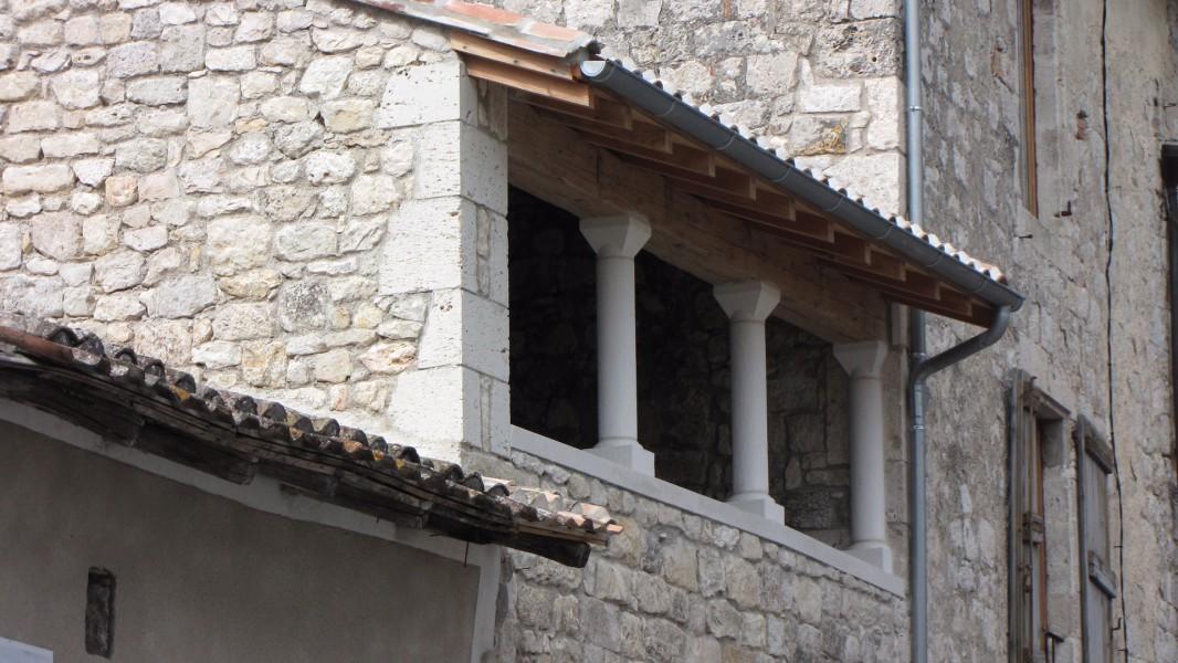 maison vendre en midi pyrenees tarn et garonne lauzerte maison en pierre dans le haut de. Black Bedroom Furniture Sets. Home Design Ideas
