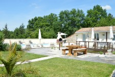 French property for sale in VILLEBOIS LAVALETTE, Charente - €283,500 - photo 10