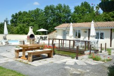 French property for sale in VILLEBOIS LAVALETTE, Charente - €283,500 - photo 2