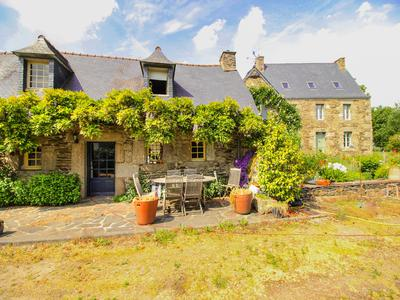 French property, houses and homes for sale in PLOUNEVEZ QUINTIN Cotes_d_Armor Brittany