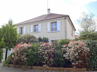 French property, houses and homes for sale in CRESPIERES Yvelines Ile_de_France
