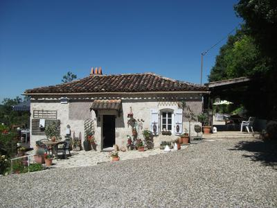 French property, houses and homes for sale in CASTELSAGRAT Tarn_et_Garonne Midi_Pyrenees