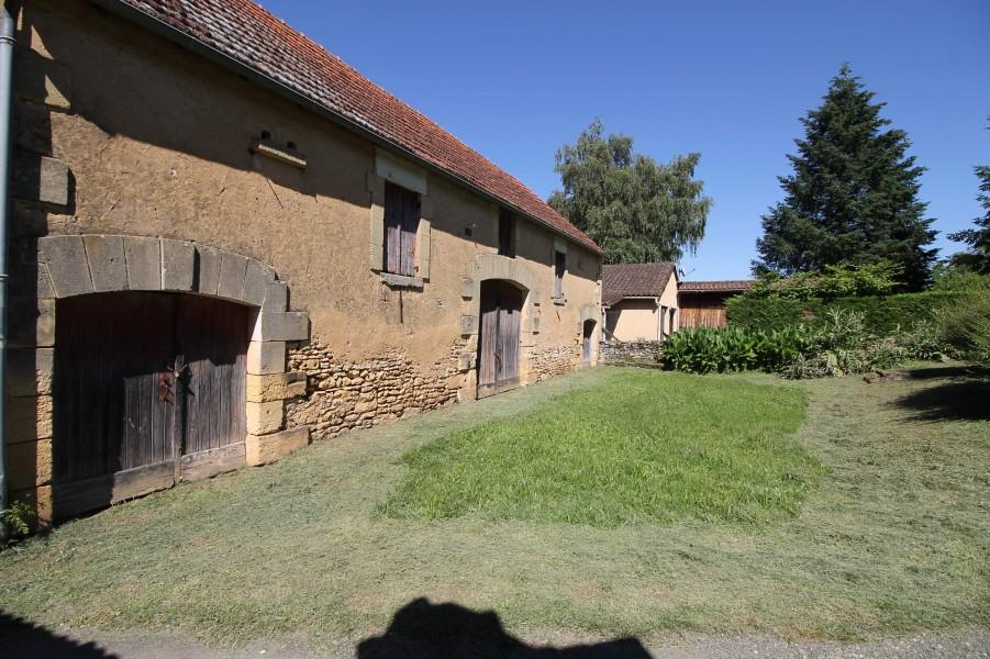 Grange vendre en aquitaine dordogne st cyprien for Acheter maison dordogne