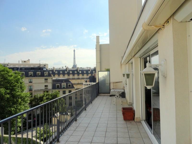 appartement vendre en ile de france paris paris viii jolie vue vers la tour eiffel de ce. Black Bedroom Furniture Sets. Home Design Ideas