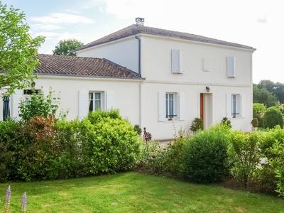 French property, houses and homes for sale in FONTCOUVERTE Charente_Maritime Poitou_Charentes