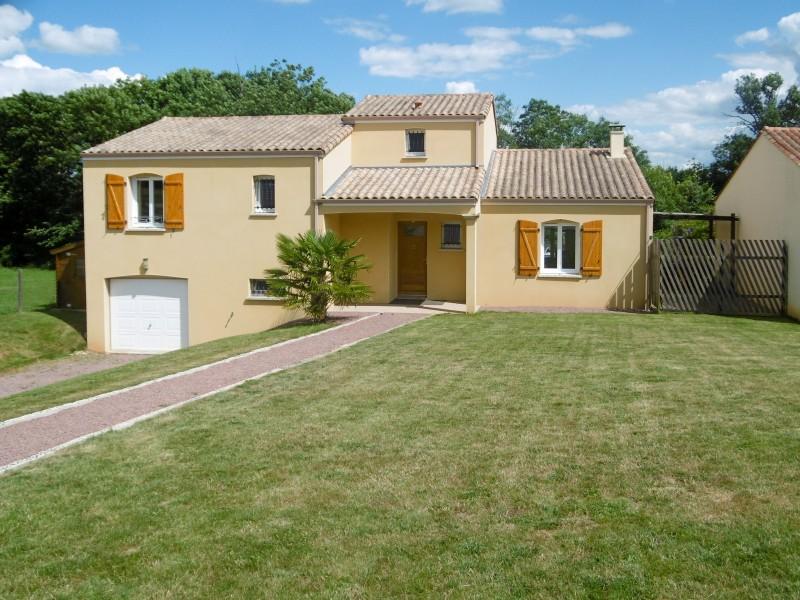 Maison vendre en pays de la loire vendee mervent villa for Construction piscine fontenay le comte