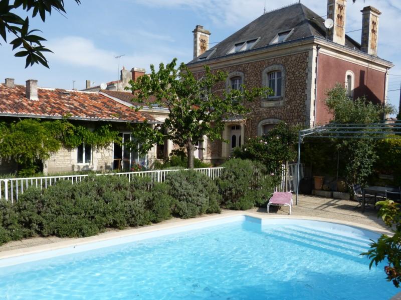 Maison vendre en pays de la loire vendee lucon magnifique maison de ma tre actuellement - Chambre des notaires de vendee ...