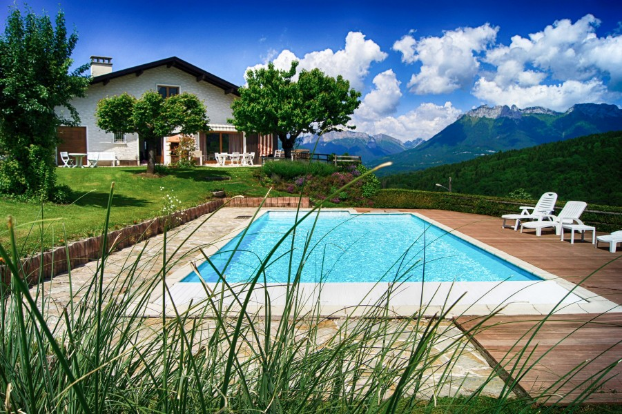 Maison vendre en rhone alpes haute savoie annecy chambre d 39 hote et gite avec une vue - Chambre d hote lac annecy ...