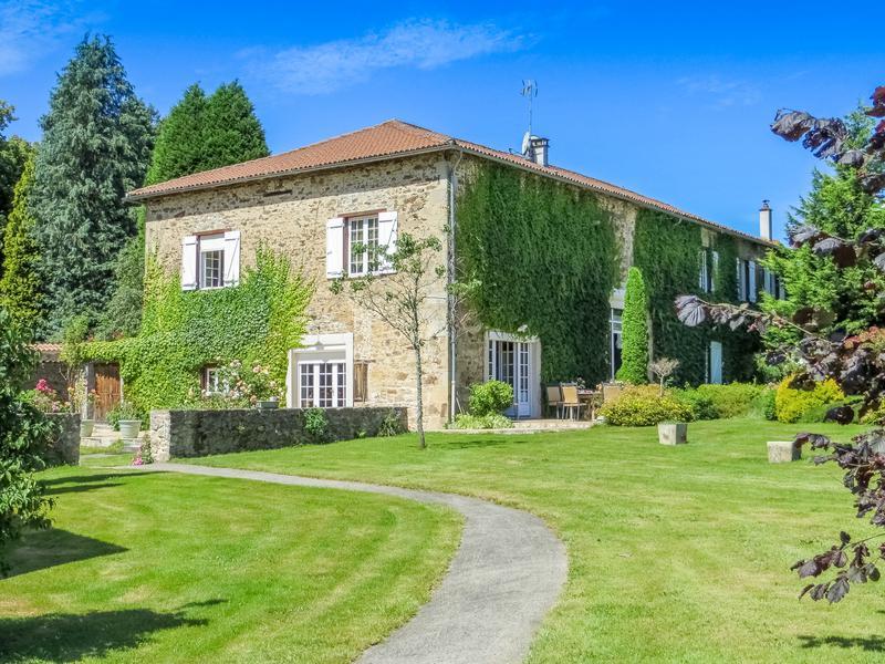 Maisonà vendre en Limousin Haute Vienne ST JUST LE MARTEL Une superbe maison de 4 chambres  # Maison Bois Limousin