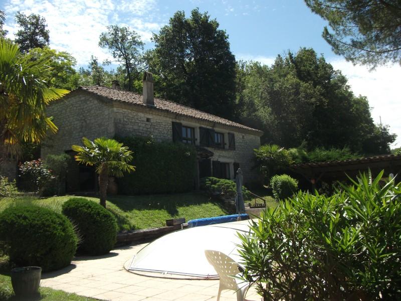 maison vendre en midi pyrenees tarn et garonne sauveterre magnifique maison en pierre avec. Black Bedroom Furniture Sets. Home Design Ideas
