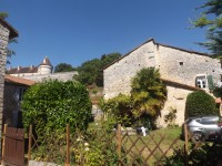 French property for sale in BAYERS, Charente - €147,150 - photo 2