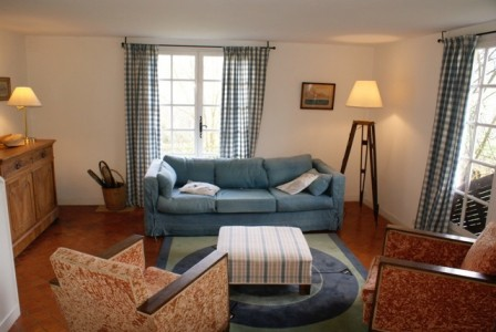 Gorgeous home and business, packed with charm and potential in a thriving area of Brittany
