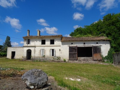 French property, houses and homes for sale in Lussac-St Emilion Gironde Aquitaine