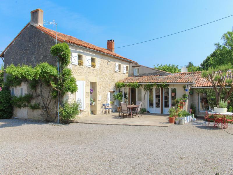 Maison à vendre à DOUX(79390) - Deux Sevres