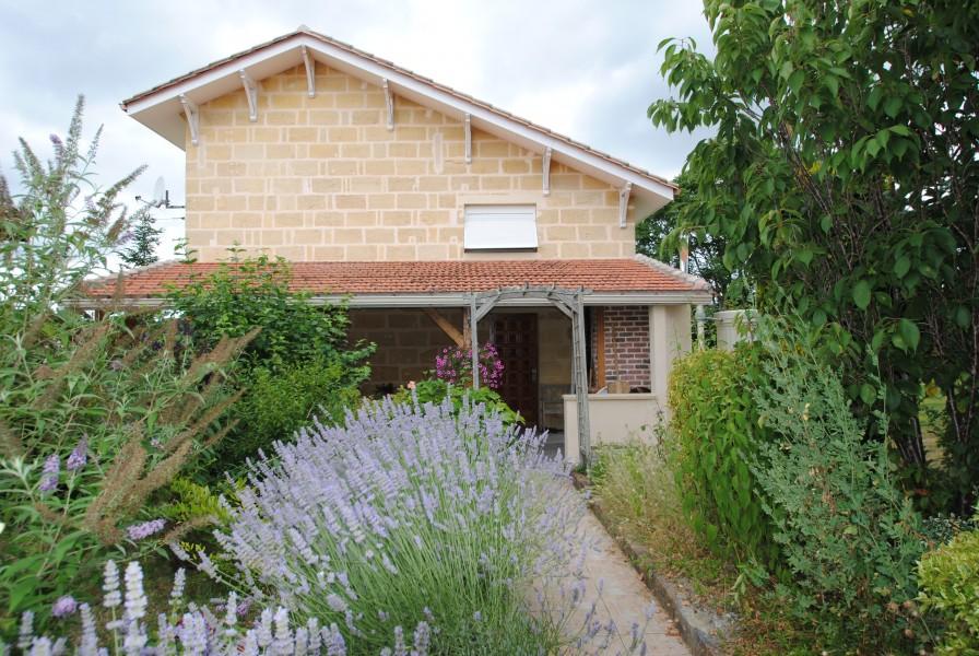 Maison vendre en aquitaine gironde lugaignac belle for Acheter une maison en gironde