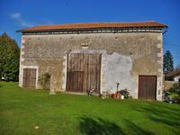 French property for sale in CLUSSAIS LA POMMERAIE, Deux Sevres - €294,250 - photo 2