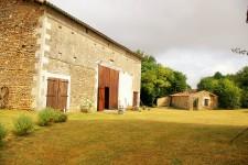 French property for sale in CLUSSAIS LA POMMERAIE, Deux Sevres - €267,500 - photo 4