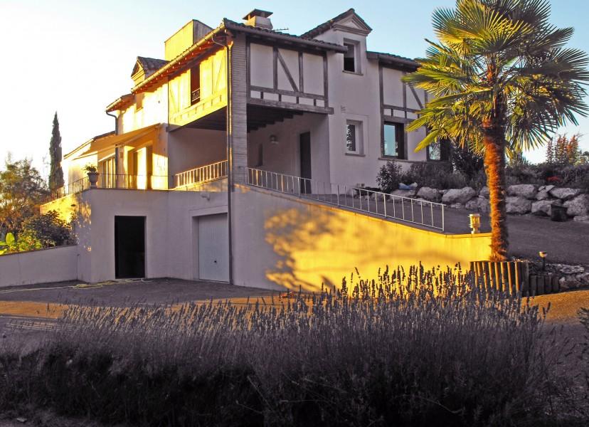 maison vendre en midi pyrenees tarn et garonne durfort lacapelette magnifique maison. Black Bedroom Furniture Sets. Home Design Ideas