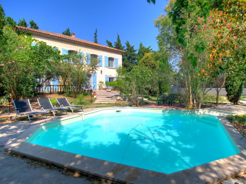 maison vendre en paca vaucluse orange orange belle maison de 360m2 sh avec piscine et. Black Bedroom Furniture Sets. Home Design Ideas
