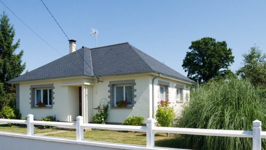 French property, houses and homes for sale in RENNES EN GRENOUILLES Mayenne Pays_de_la_Loire