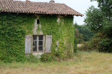 French property for sale in ALLOUE, Charente - €41,400 - photo 4