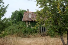 French property for sale in ALLOUE, Charente - €41,400 - photo 2