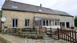 French property for sale in COURCITE, Mayenne - €70,000 - photo 2