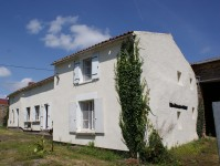 French property for sale in ST PIERRE DU CHEMIN, Vendee - €104,000 - photo 1