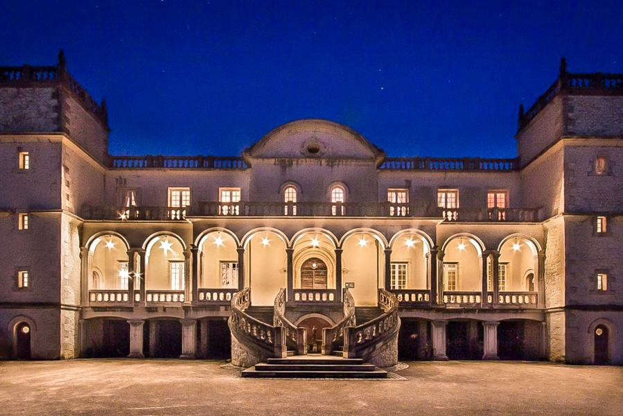 Hotel Restaurant Dans Un Chateau