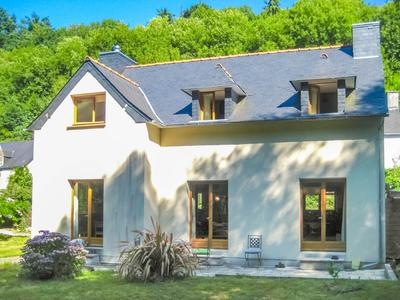 French property, houses and homes for sale in PORT LAUNAY Finistere Brittany