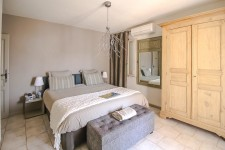 French property for sale in BESSE SUR ISSOLE, Var - €899,000 - photo 6