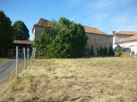 French property for sale in VILLEBOIS LAVALETTE, Charente - €36,000 - photo 6