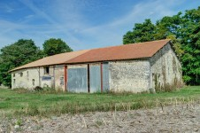 French property for sale in BRIE SOUS CHALAIS, Charente - €51,000 - photo 2