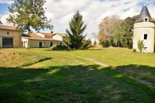 French property for sale in VOUILLE, Deux Sevres - €795,000 - photo 2