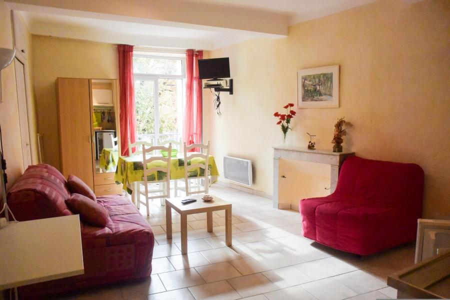 appartement vendre en paca alpes de hautes provence quinson appartement 1er tage en plein. Black Bedroom Furniture Sets. Home Design Ideas