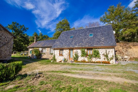 French property, houses and homes for sale in CONDAT SUR GANAVEIX Correze Limousin