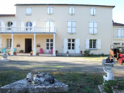 French property, houses and homes for sale in LA ROCHEFOUCAULD Charente Poitou_Charentes