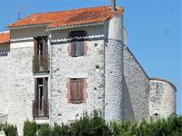 chateau for sale in ST AMANT DE BOIXECharente Poitou_Charentes