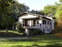 French property, houses and homes for sale inVILLANDRAUTGironde Aquitaine