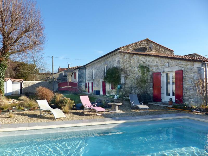 Maison à vendre à MOULIDARS(16290) - Charente