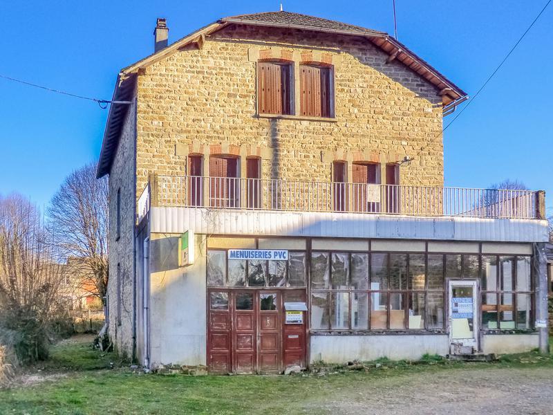 Maison vendre en limousin correze eyburie maison individuelle avec grand - Atelier menuiserie a vendre ...