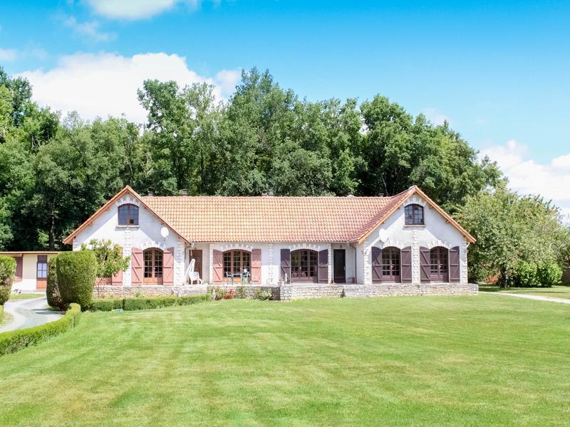 Maison à vendre à MONTIGNAC CHARENTE(16330) - Charente