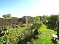 French property for sale in CHARRAS, Charente - €96,300 - photo 2