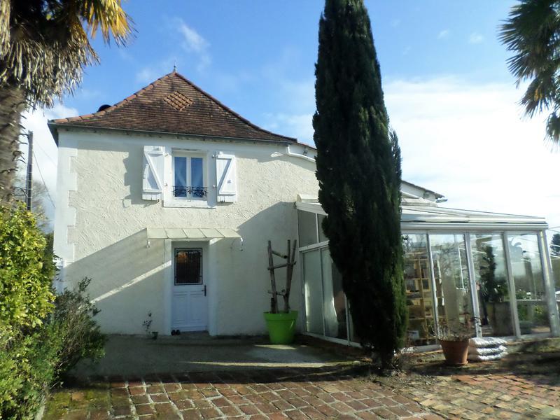Property For Sale Pau Leggett
