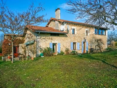 French property, houses and homes for sale in CONDAT SUR TRINCOU Dordogne Aquitaine