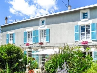 French property, houses and homes for sale in SOUVIGNE Deux_Sevres Poitou_Charentes