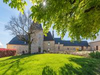 French property for sale in HAUTEFORT, Dordogne - €1,365,000 - photo 2