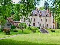 chateau for sale in ISSOUDUNIndre Centre