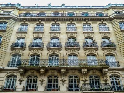 Superb family apartment close to Iena / Trocadéro - 106 sqm - 3 bedrooms